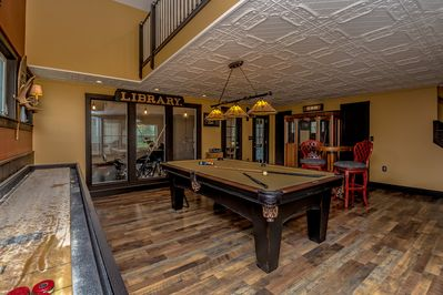 Game Room Pool Table,shuffle board table & sauna,Loft sleeping above.