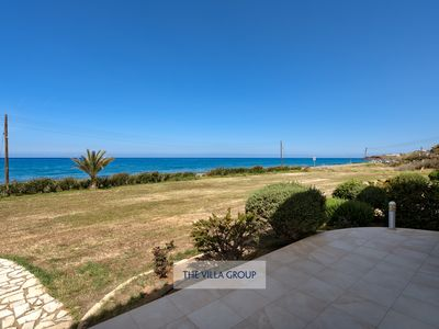 Photo for Modern 4 bed townhouse opposite the beach
