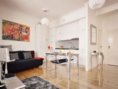 Photo for Perfect location, modern apartment, refurbished in 2011, pop art style decor