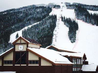 Photo for Ski in/Ski out, Super Bee lift steps away! Beautiful Mountain Side View!