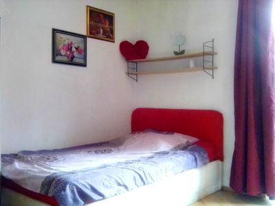 Photo for Nice Flat, 2km city, 1min tram, car park, wifi, kitchen