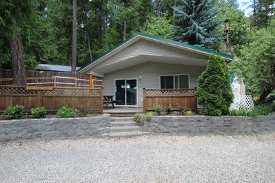 The Hideaway Is A Cozy Cabin At Blind Bay Hideaway On Beautiful Sunny Shuswap Blind Bay