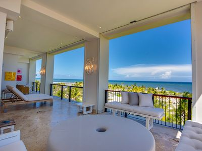 Spectacular Villa with all kinds of details and highest standards of quality and exquisiteness.