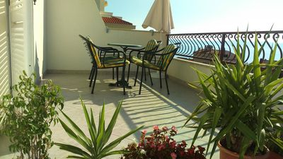 Photo for One bedroom apartment with terrace and sea view Tučepi, Makarska (A-16830-a)