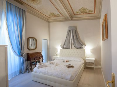 Photo for FLORENCE CHARM APARTMENT. PLACED IN THE HEART OF THE FLORENCE CENTER OF FLORENCE: