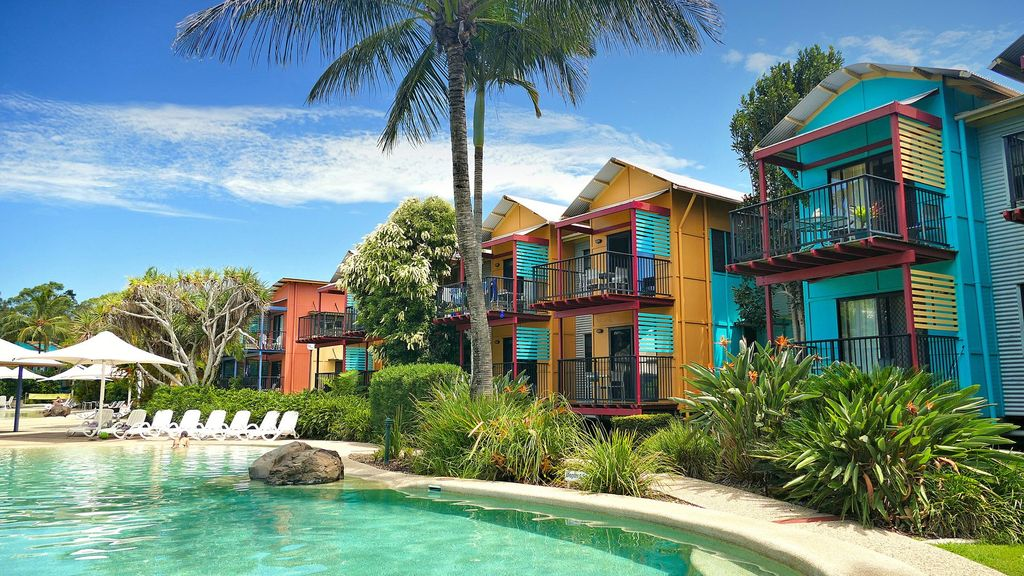 Holiday rental noosa with pool
