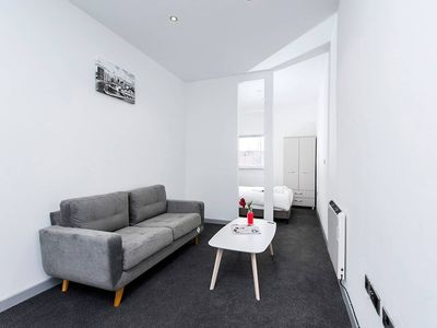 Photo for Modern and Central 1BR Apartment