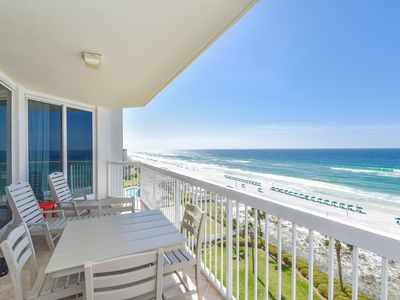 Photo for Beach Front Condo: Access to Resort Amenities! Two Pools & Free Beach Service!👓
