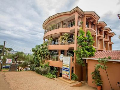 Photo for Located in a fabulous part of the city with easy access, great for backpackers.