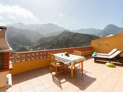Photo for Charming house in the Hermigua valley, with stunning views and WiFi