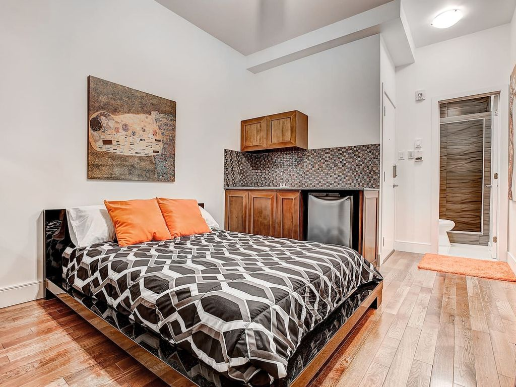 Studio Apartment Montreal the destination loft downtown montreal #201 - vrbo