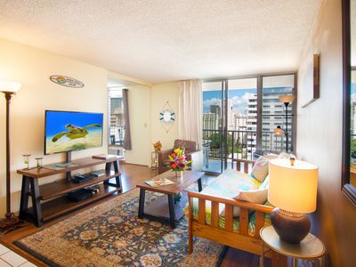 2 BR in Waikiki Sleeps 5 | Parking & WiFi | High-Floor