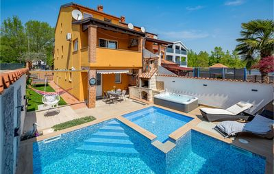 Photo for 2 bedroom accommodation in Baderna