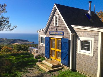 Deep Blue Sea Cottage with Incredible Views