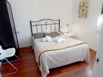 Photo for Girona Citybreak? Duplex with Optional parking and free wifi!