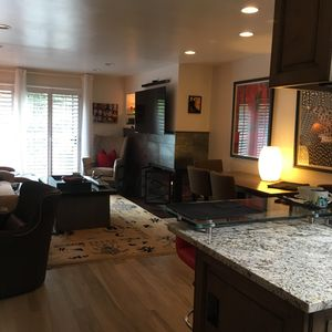 Photo for Luxury 1 BR Condo in Perfect Downtown Location - South Point