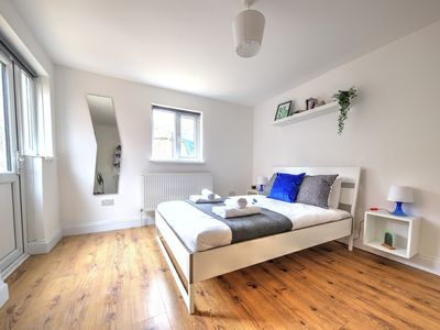 Photo for Apartment 20min to Oxford Circus, Willesden Green, London #30BS