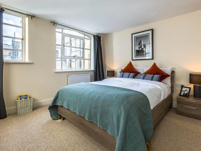 Photo for 2 Bed in Heart of Mayfair Near Bond St Shopping
