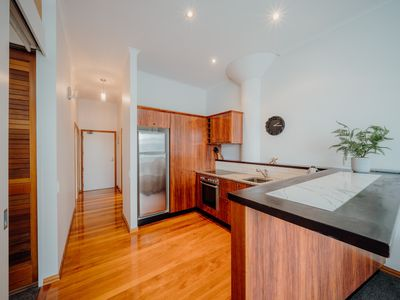 Photo for Princes Wharf  Executive  2 Bedrooms Apartment with Balcony & Free Wifi