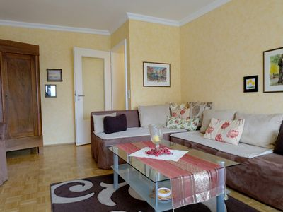 Photo for Lovingly living ambience, 3 rooms absolutely quiet in the center, 4 km Heidelberg