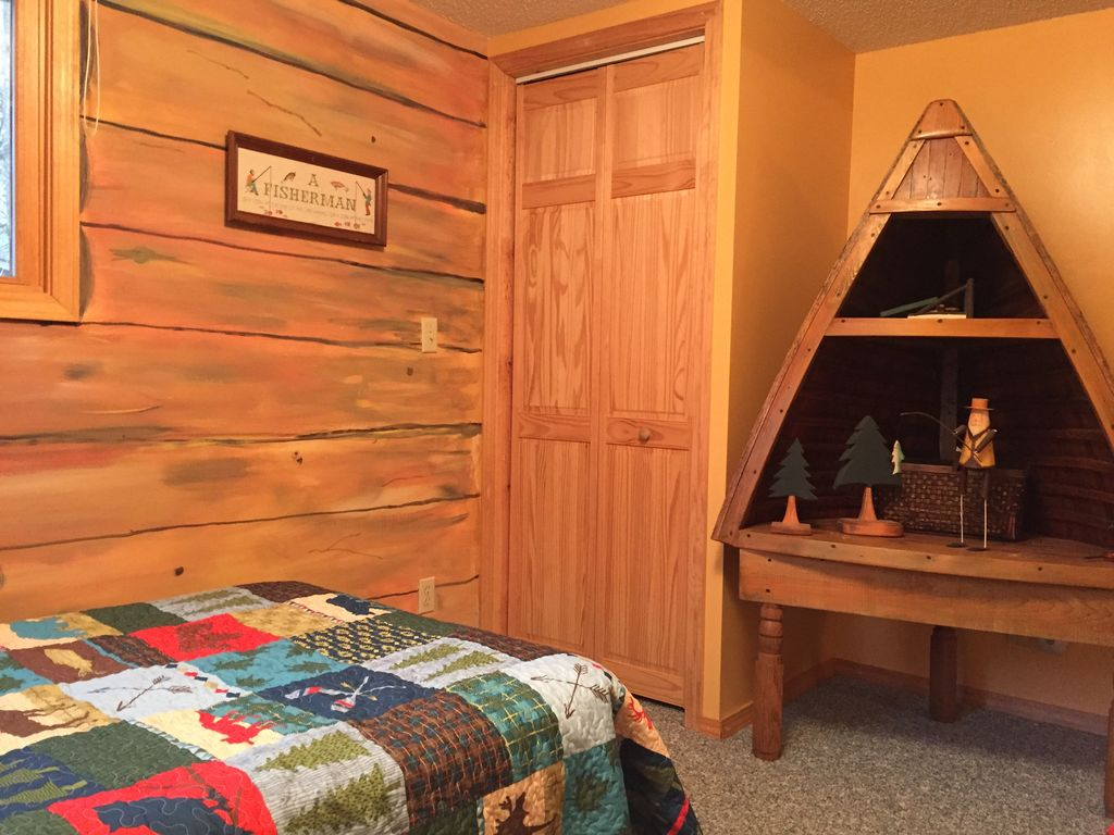 Relaxing Cozy Cabin On Beautiful Pere Marquette River