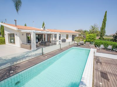 Photo for Villa Leia, Stylish 4BDR Villa with Pool, Close to Fig Tree Bay Beach