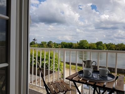 Photo for Cottage along the Loire on Private Road 10 minutes from the City Center. 4p