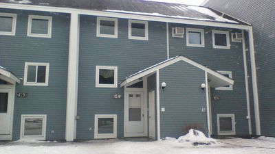Photo for 4 BR Townhouse Center of Resort - Walk to lifts