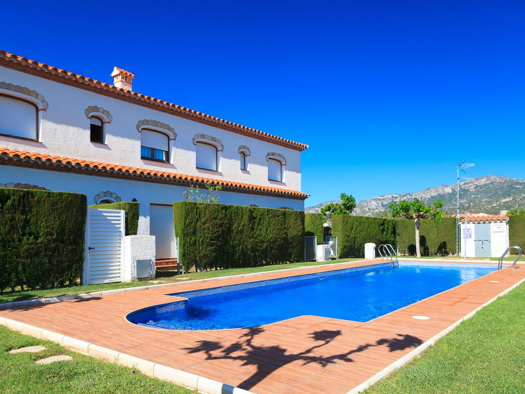 Beautiful Summer House With Garden And Homeaway Miami Platja