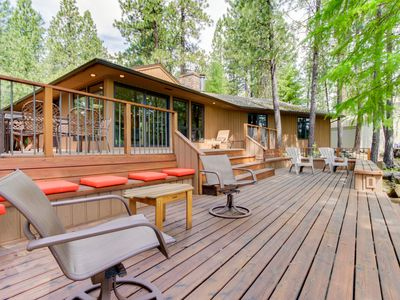 Photo for Resort amenities like a pool & hot tub with 3-tier decks & golf course views!