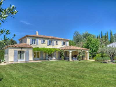 Photo for Prestigious farmhouse with private pool in Saint Rémy de Provence