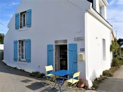 Photo for Small character house 200 m from the beach on the Quiberon peninsula
