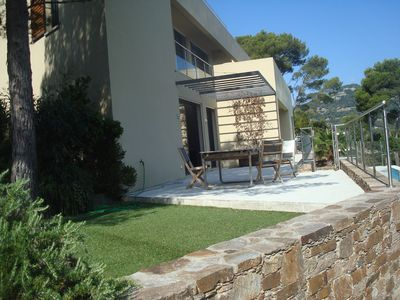 Photo for Contemporary villa with pool, close to the sea, with sea view, floor cooling