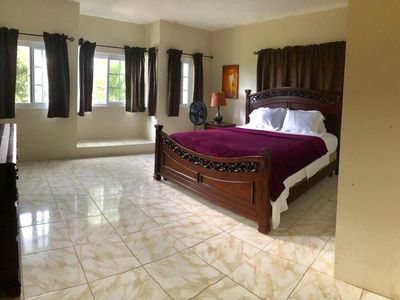 A private 2 bedroom apartment in the hills of Negril