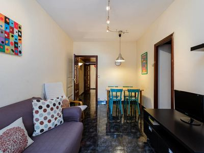 Photo for Cozy 3bed flat with balcony close to Plaza España!