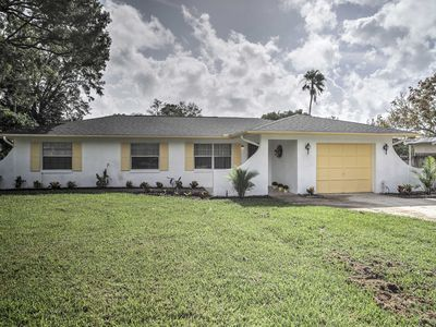 Photo for Quiet Home Near Shopping & 15 Miles From Orlando!