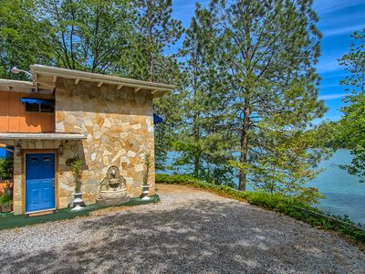 Photo for AMAZING SHASTA LAKE PROPERTY    LAKEHEAD, CALIFORNIA