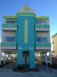 Direct beach front with pool! New paint!