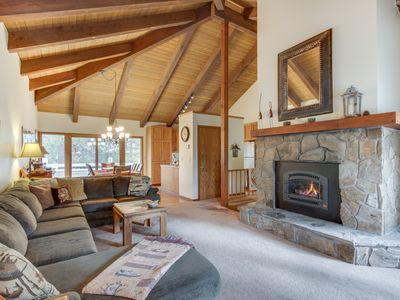 Photo for Cozy cabin w/ private hot tub, entertainment & SHARC passes in a quiet location