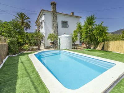 Photo for Cubo's Villa Begoña. Wifi, pool, parking.