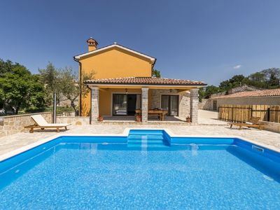 Photo for New and very comfortable and nice decorated villa with pool for 10 people