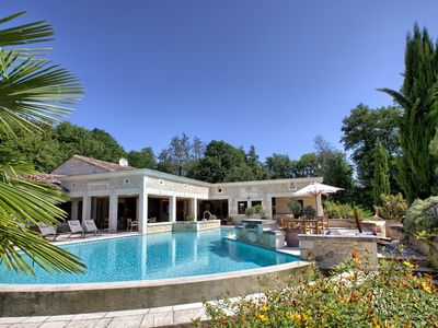 Photo for Charming house with swimming pool, tennis, spa,hammam, sauna and fitness room