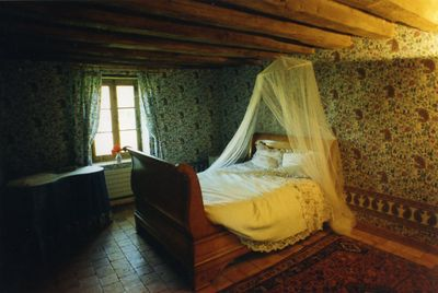 Bedroom with double bed + armoire, nice view.