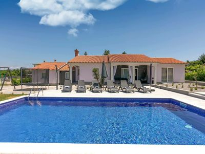 Photo for Detached villa with swimming pool, sauna, play equipment, beach 15 minute drive