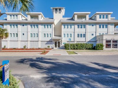 Photo for Beautiful  2 Bedroom / 2 Bath Condo with  Community  Pool.