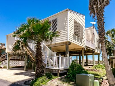 Photo for PortAway Pet Friendly, beach views, beach access, sleeps 8