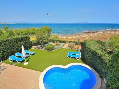Photo for Embat villa with swimming pool and just in front of the sea 017