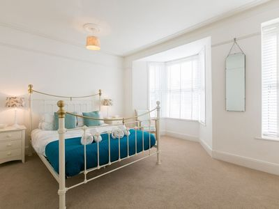 Photo for Little Sea Ayr - Sleeps 4 with On-Site Parking for 2 Cars