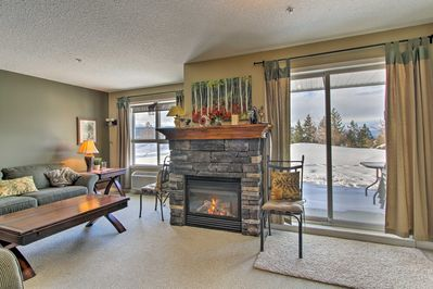This 1,000-square-foot unit sleeps 5 and offers tremendous amenities.