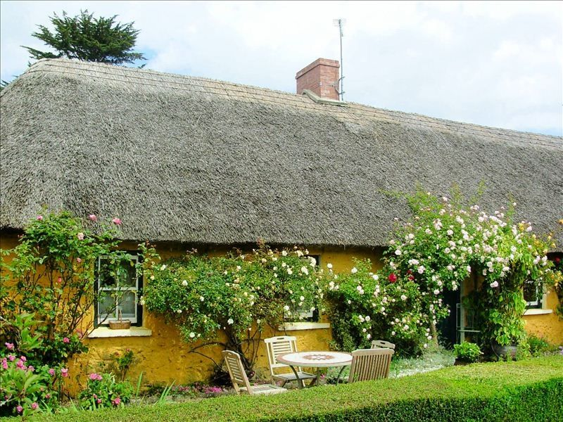 Thatched Irish Cottage Amp Barn In Beautiful And Tranquil
